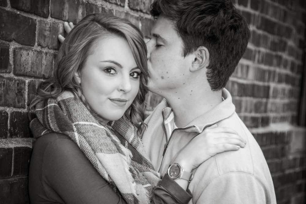 Engagement_Photo_Des_Moines-179.jpg