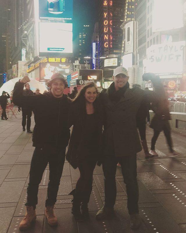 #Fbf to that one time I stood in #TimesSquare with @halieatucker & @jtsatava 😁 #2016 #Goodbye #Last #FlashbackFriday