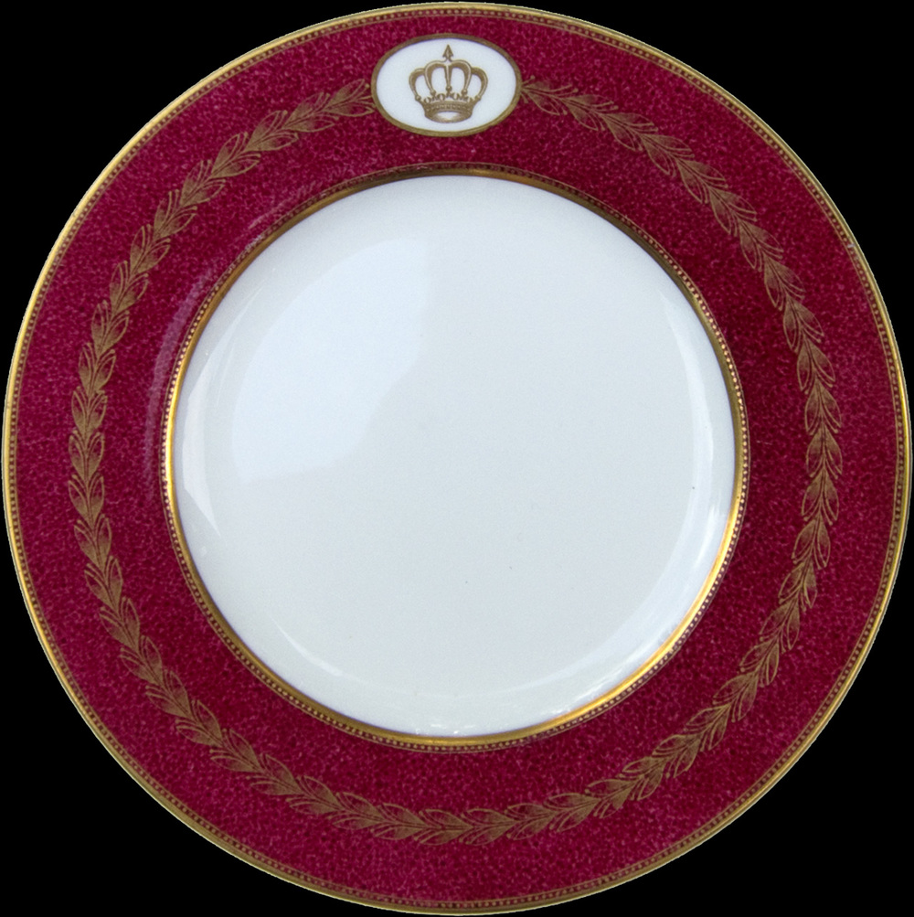 Rare pieces of Wedgewood china once owned by King Faisal II were also acquired for the project. The plates were looted from the Iraqi monarch's palaces following his execution in 1958, but were found among Saddam's own dishware in 2003. It has been reported that Hussein was so obsessed by the young King's short life and violent demise that he would make secret visits to his tomb, often asking guards to open the grave so he could gaze upon the monarch's remains.