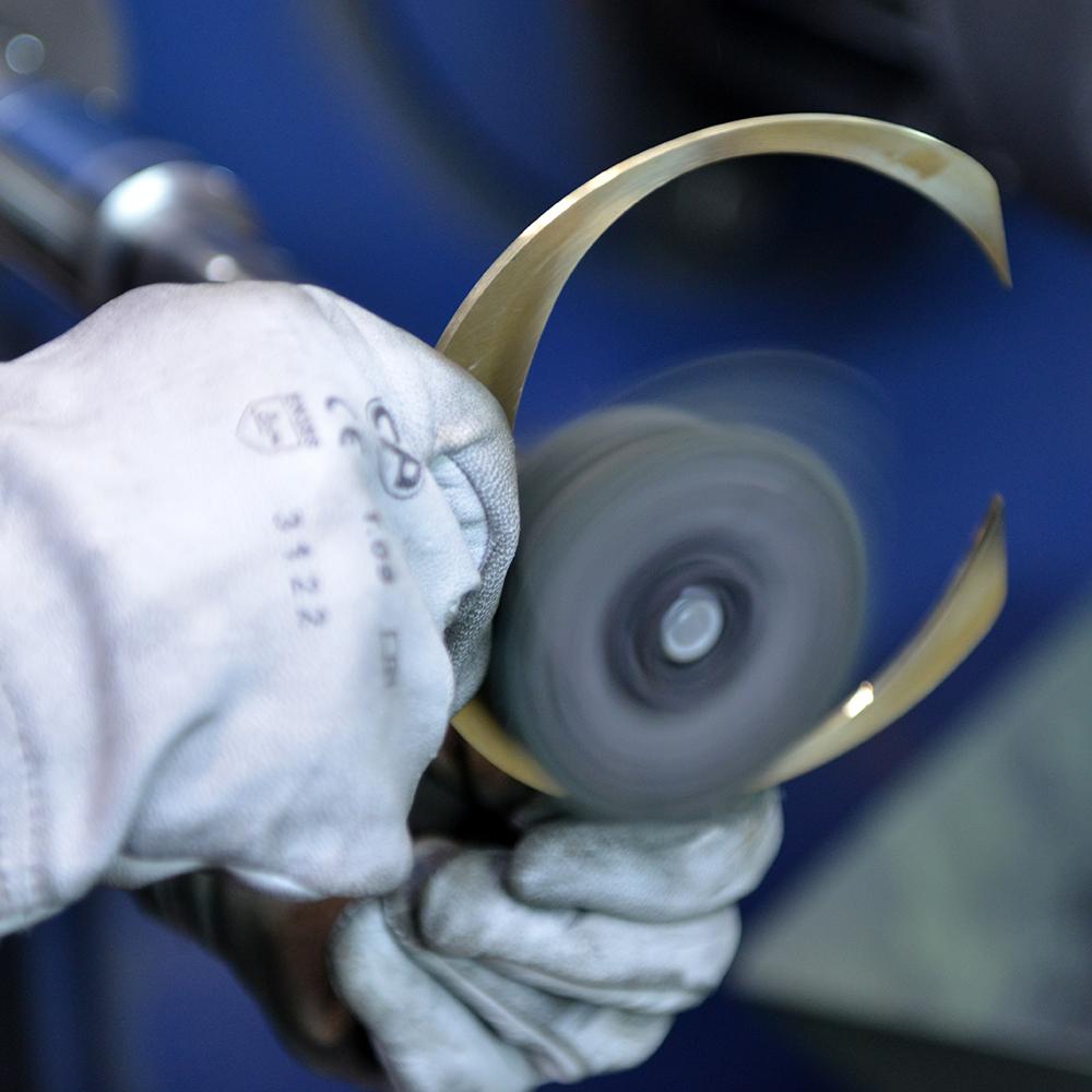 Savoir-faire artisanal Tous types de matériaux :métaux, PMMA, bois 4 polisseurs