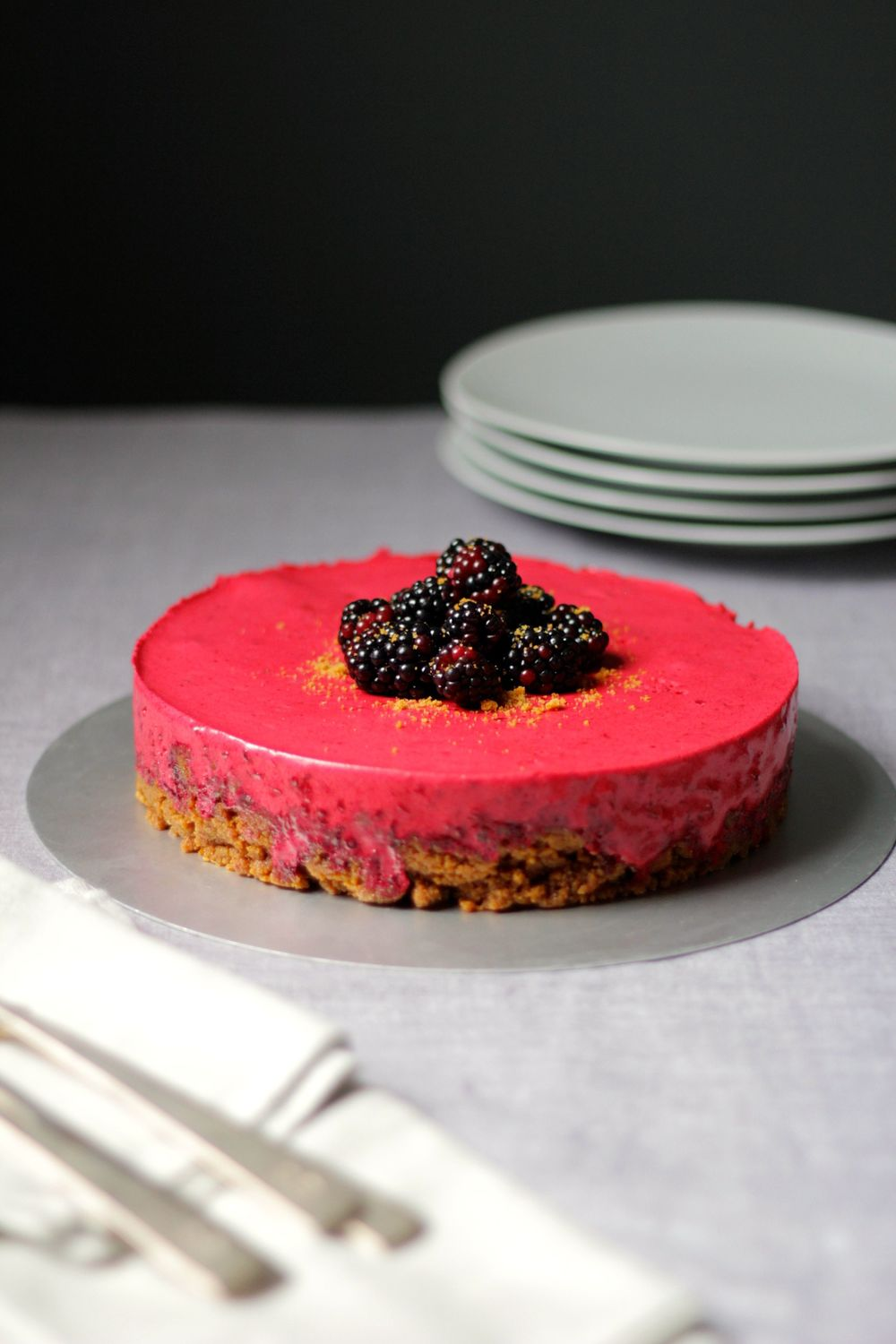 BLACKBERRY AND GINGER NUT 'FAKE' MOUSSE CAKE — JOHN WHAITE