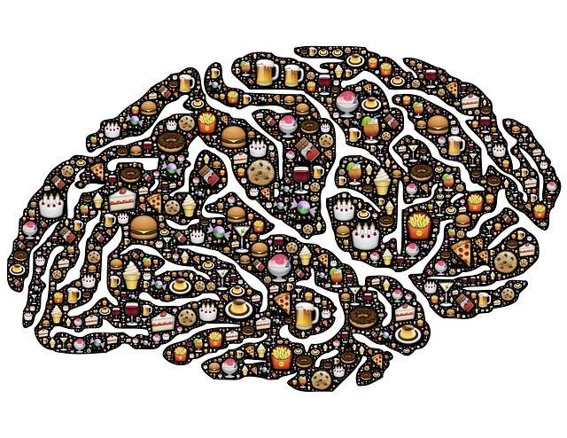 El trastorno por atracón se caracteriza por la ingesta de grandes cantidades de comida durante un período corto de tiempo.