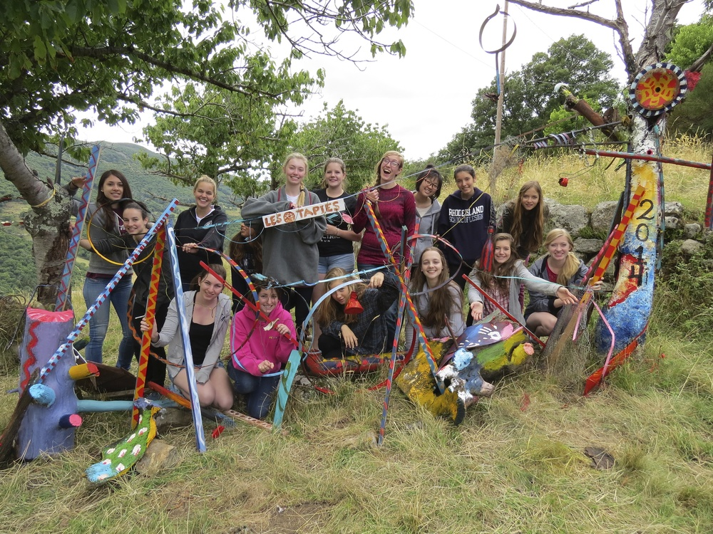 students with a collaborative sculptural installation les tapies summer programs