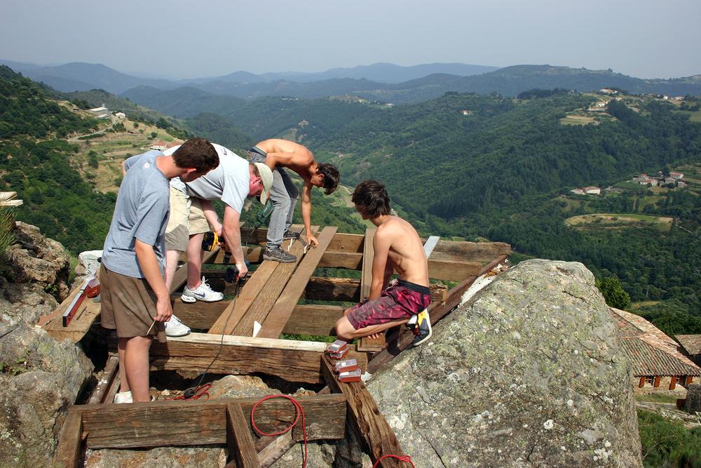 students building an overlook deck