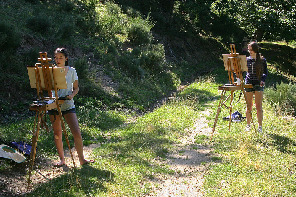 painting students working in the landscape at les tapies