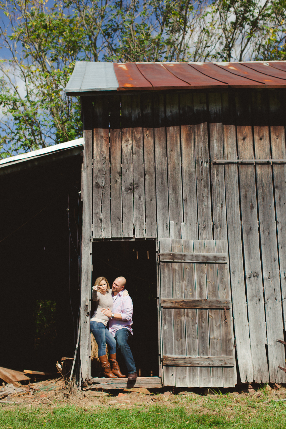 Leesburg-VA-Engagement-48fields -Vness-Photography-105.JPG