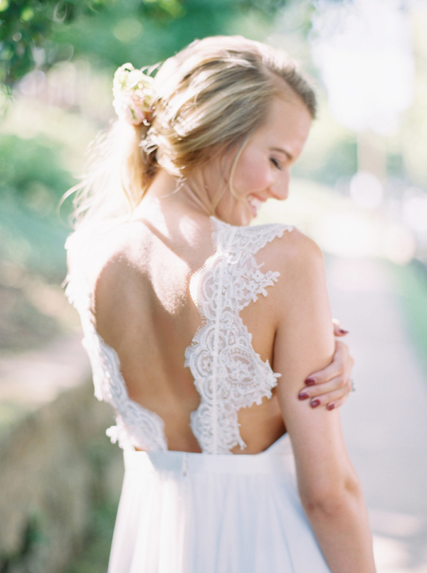 lace-back-wedding-dress-christina-sloan-events-wedding-planners-birmingham-al-clubhouse-on-highland