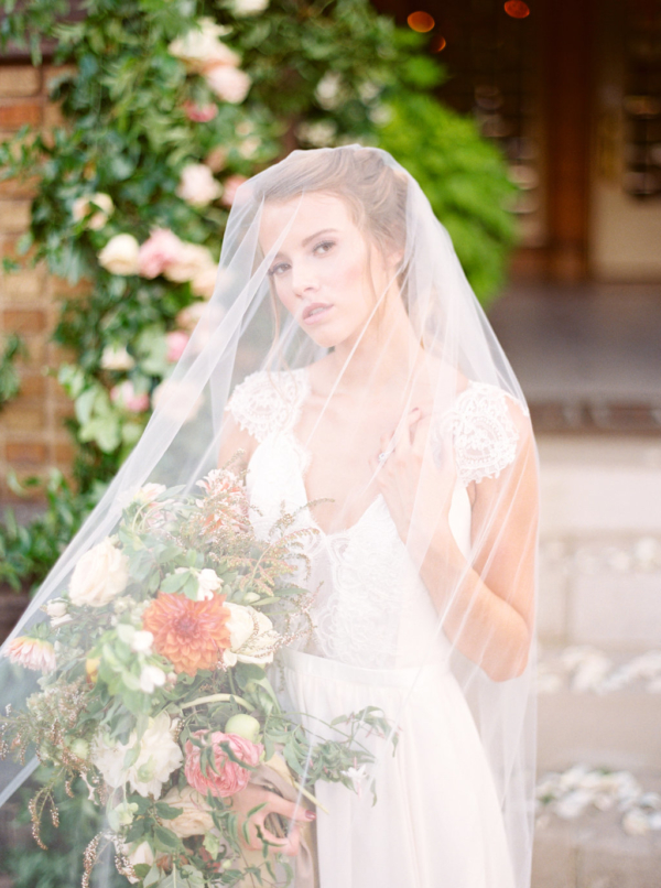 Bride-in-Long-Veil-christina-sloan-events-wedding-planners-birmingham-al-clubhouse-on-highland