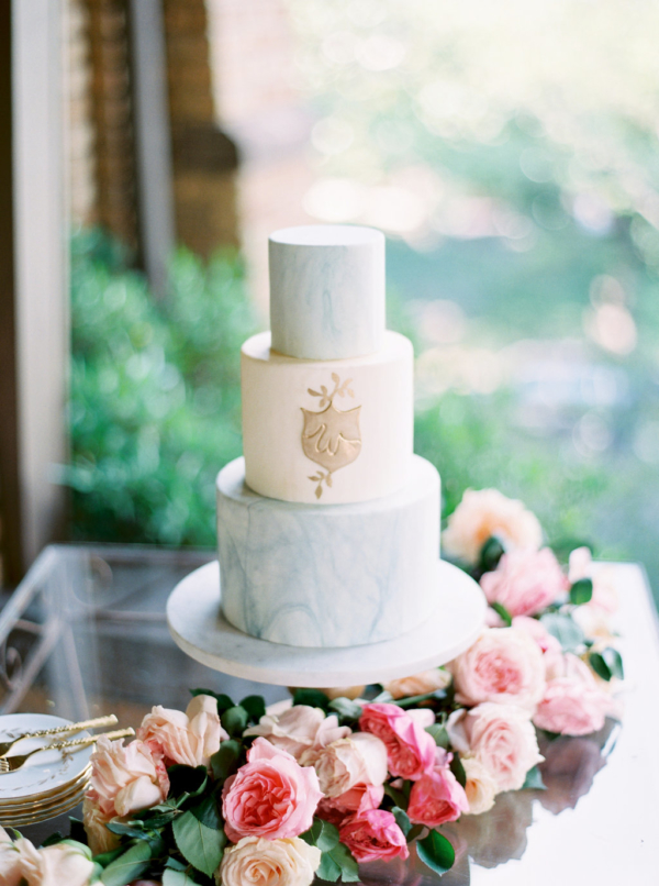 Blue-Marble-Wedding-Cake-christina-sloan-events-wedding-planners-birmingham-al-clubhouse-on-highland