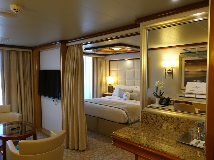 A luxurious suite on the Royal Princess.