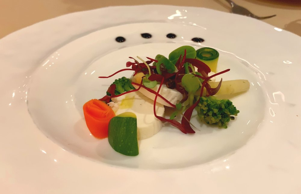 Asparagus and goats cheese salad