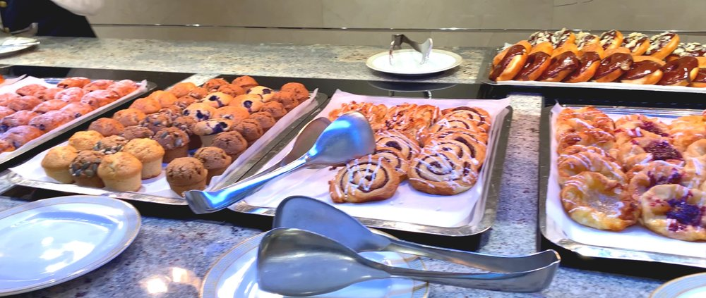 More pastries and sweet things.
