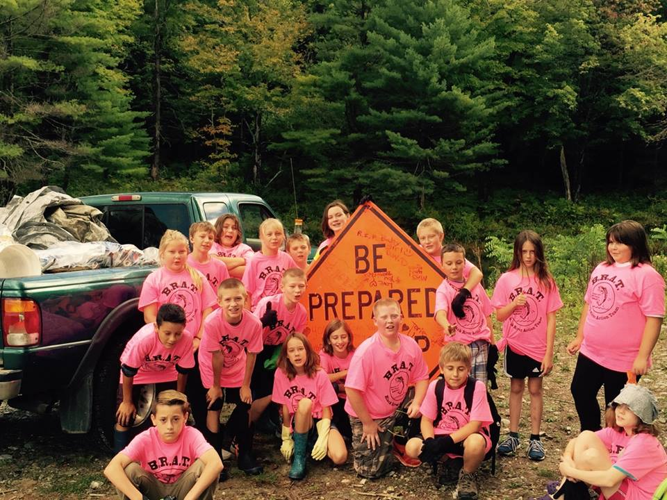 CTES 6th graders September 2015 participating in RiverSweep