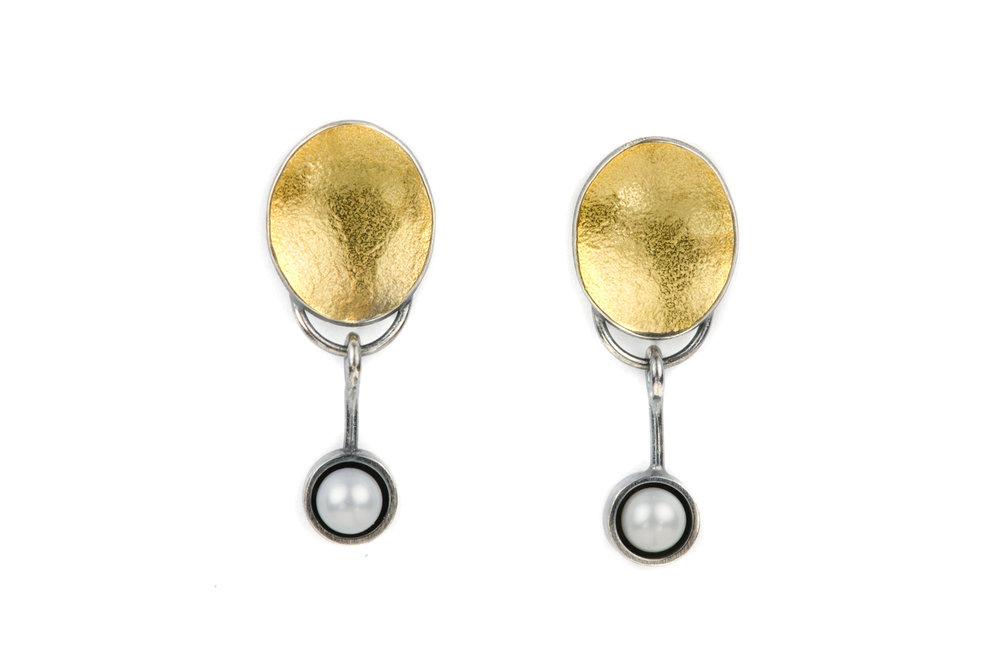 gold_oval_akoya_pearls.jpg
