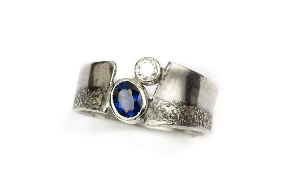 nana_w_sapphire_diamond_a.JPG
