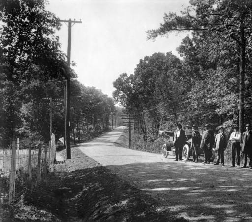 Kingston Pike, 1910. Photo courtesey of  Thompson Photo Collection, C.M. McClung Historical Collection, Knox County Library