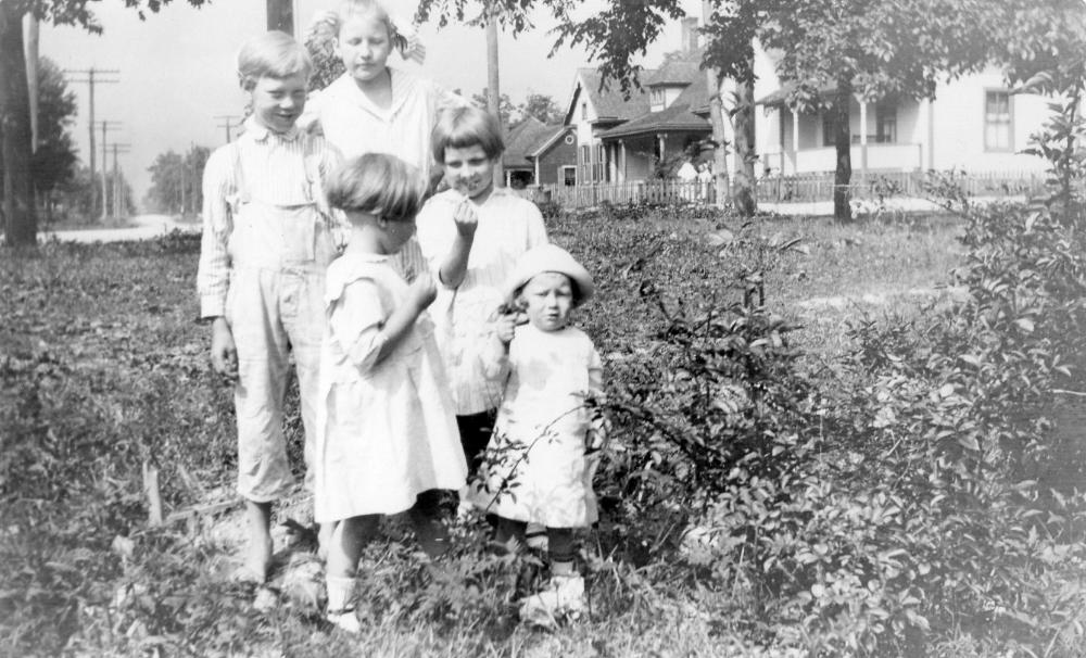 Hassell Family Children, Oakwood