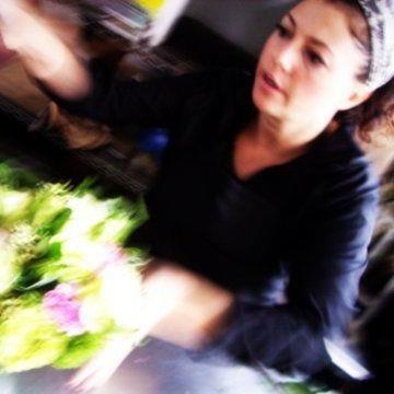 Making a bouquet at Gardenia Organic