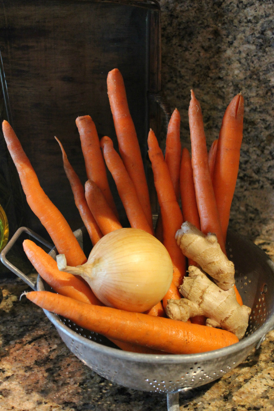 The fresh ingredients you will need, Carrots, Ginger and Brown Onion