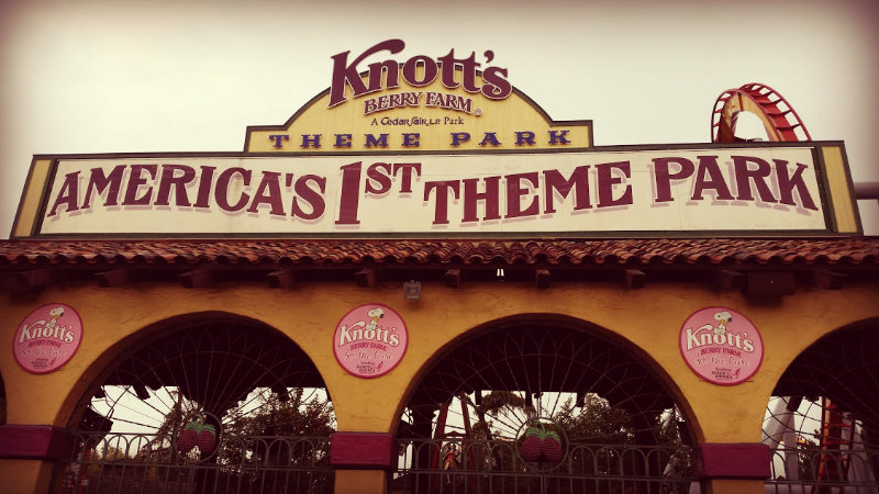 Knotts Breast Cancer 00.jpg