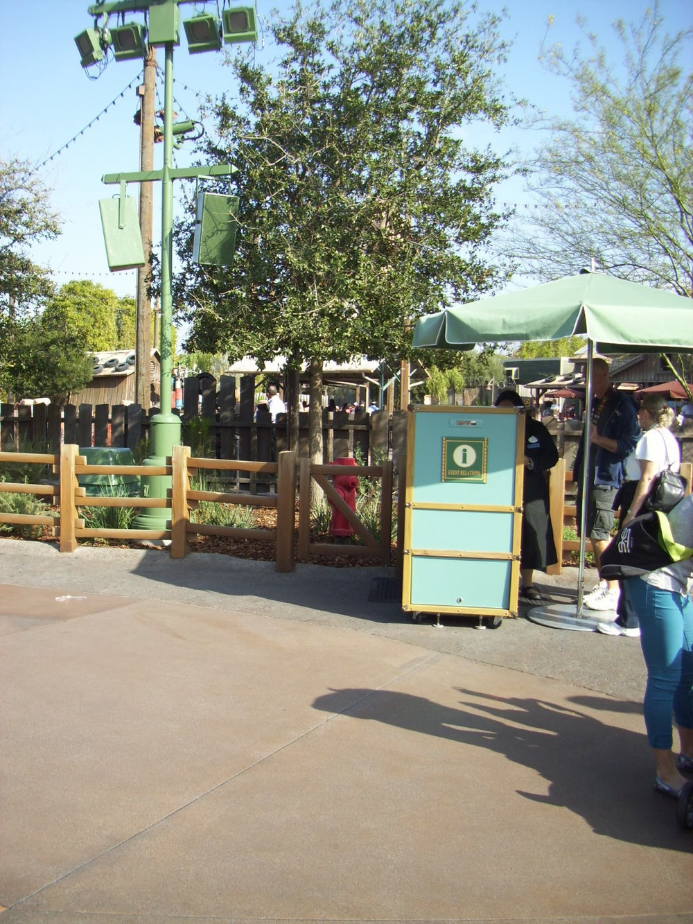 Entrance of cars land Kiosk