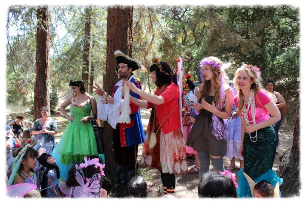 With a little help from his friends, Captian Scrappy and the fairies follow the treasure map!