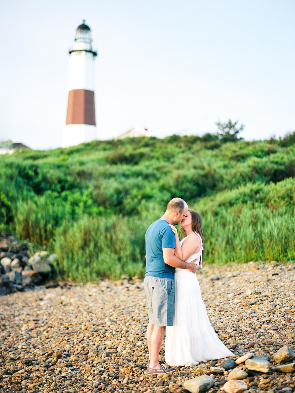 18.6.25 Lindsay and Brandon Montauk Lighthouse-012.jpg