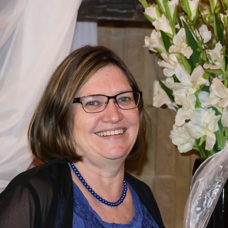 Elize Küng: Managing Director