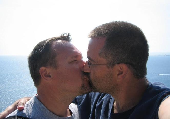 Jeff + Floyd #KissProudly