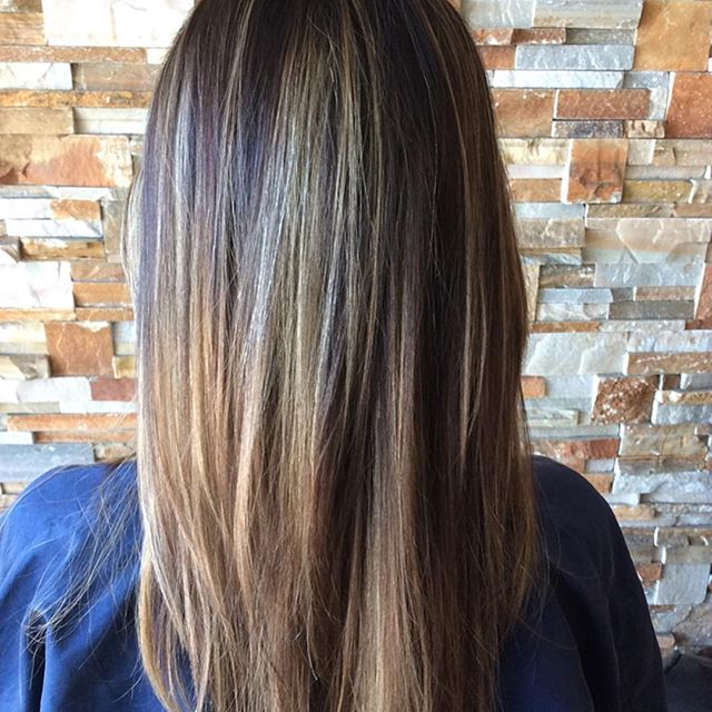 Highlights for Spring! 🌷#hairconcept2000 #highlights #woodlandhills #venturablvd #americansalon #modernsalon #hairbyveesun #haircut #blowdry