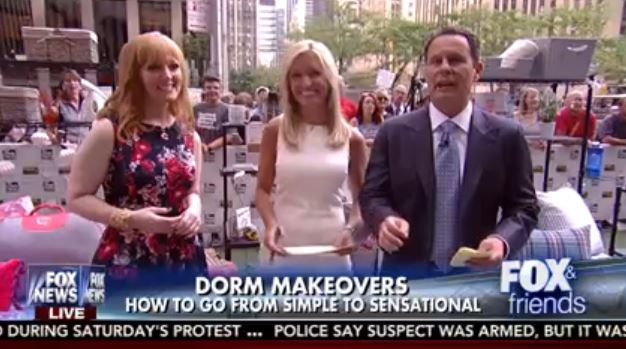 "Live on ""FOX & Friends"" with hosts Ainsley Earhardt and Brian Kilmeade.  Thank you to Coldwater Creek for the dress!"