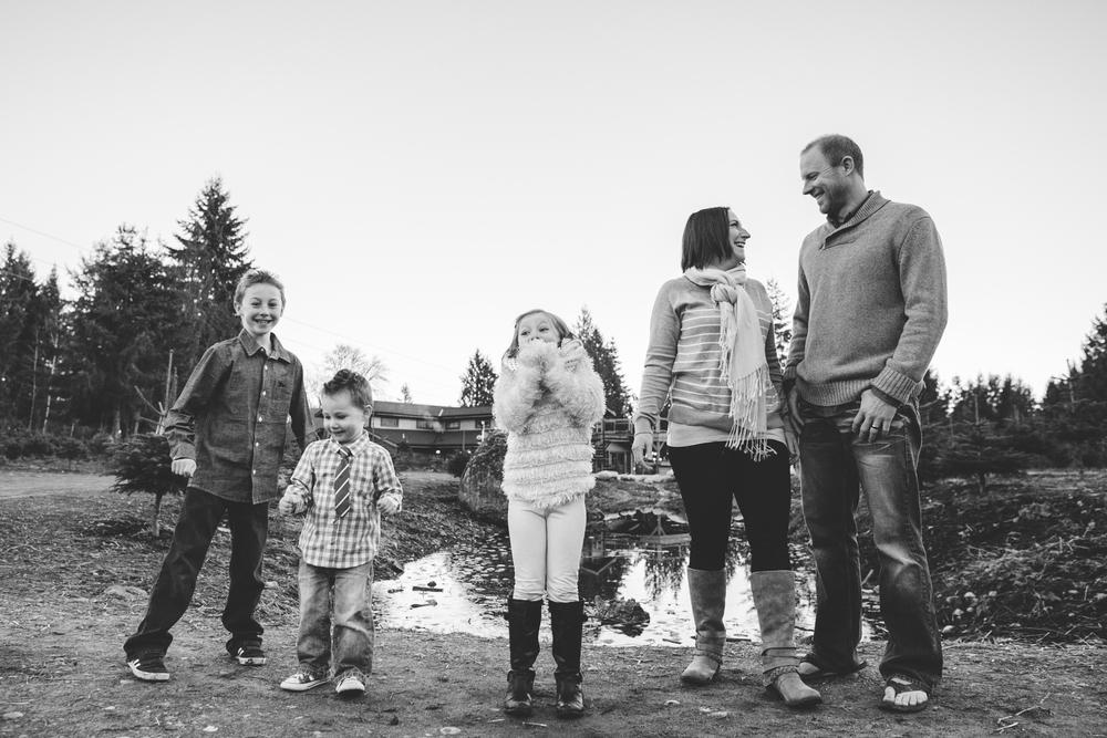 Holiday-Portraits-Lifestyle-Tree-Farm-Issaquah-Washington-Holiday-Children-Rhianna-Mercier-Photography-70.jpg