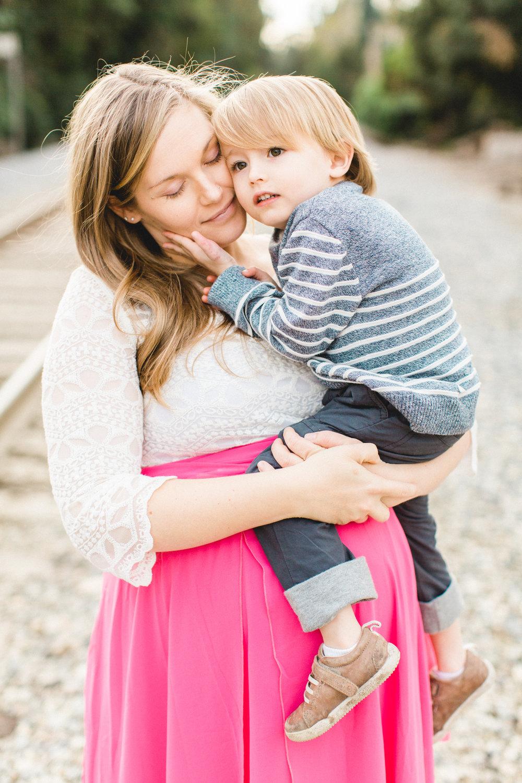 Rhianna-Mercier-Photography-Fine-Art-Maternity-Family-Session-Madi-IHMG -82.jpg