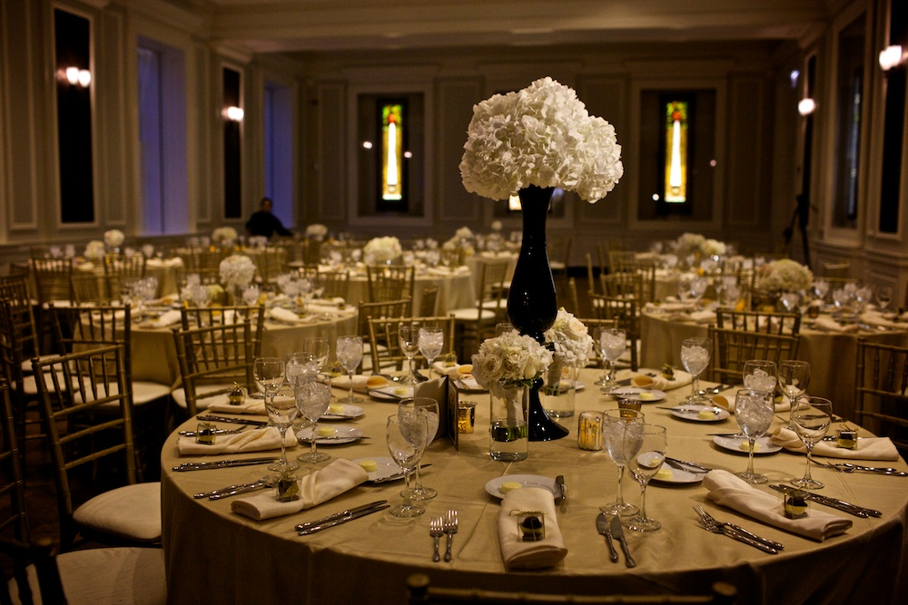 Clover Events | Black & White Winter Wedding | Photos by Steve Koo Photography
