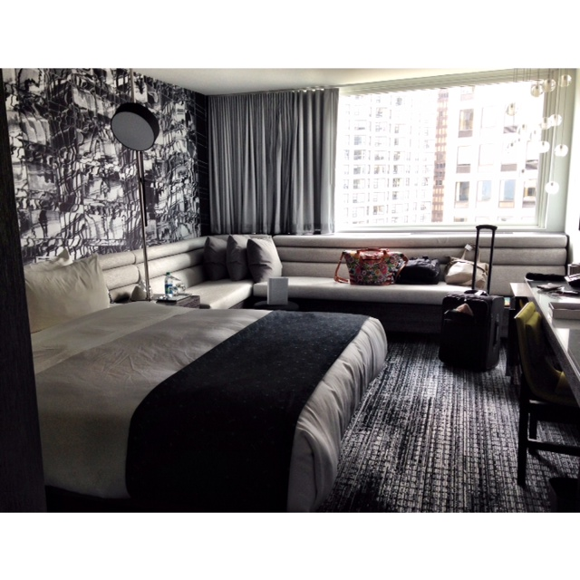 ROOM AT THE W CHICAGO LAKESHORE. IMAGE BY PRIPPE.