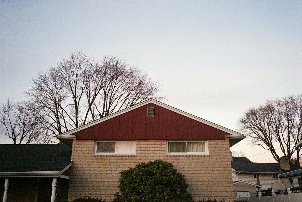 Peeping house