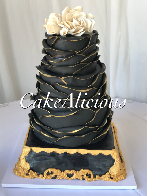 Black n Gold Ruffles with Edible Cake Stand.png