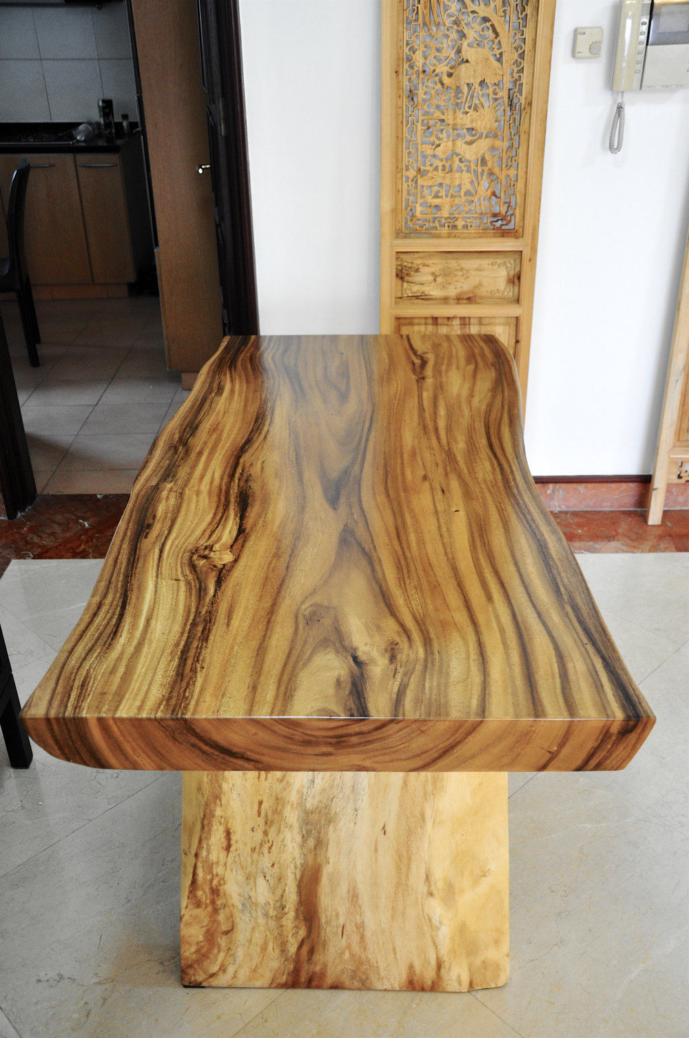 Suar Wood Grains // Herman Furniture Singapore