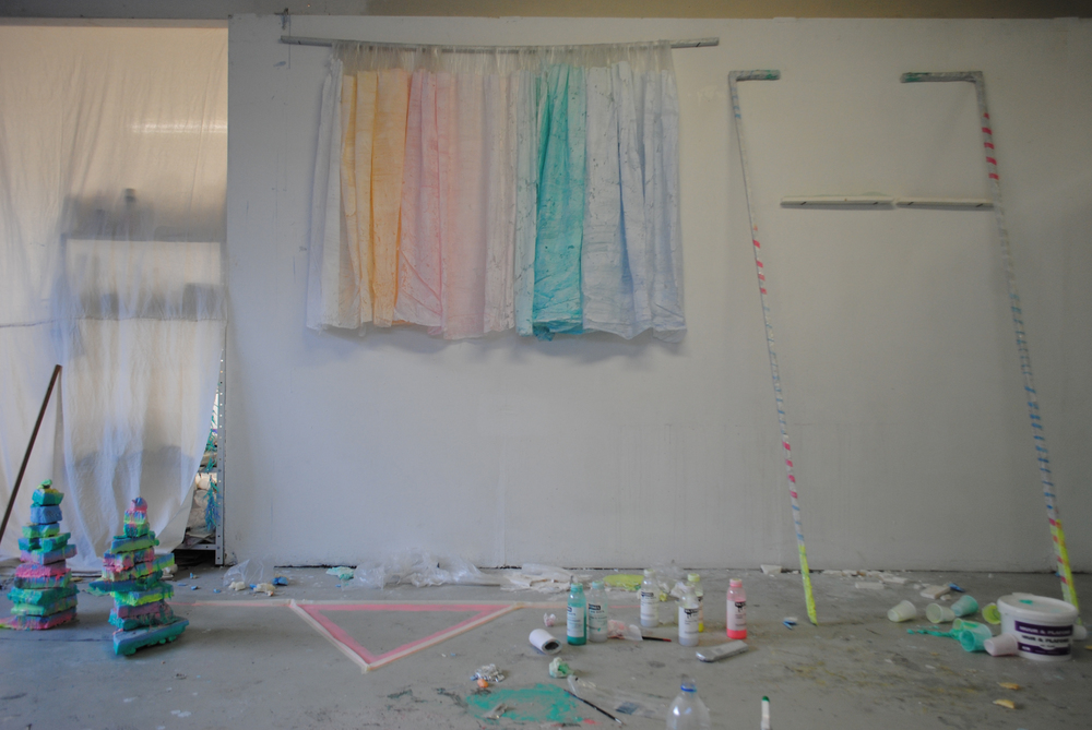 STUDIO VIEW DECEMBER/JANUARY, LILA GLOED (WORKING TITLE), PLASTIC, WOOD, PIGMENTS, POLYSTYRENE, PAINT, TOILETPAPER, SILICONES, 700X400CM, ANTWERP.
