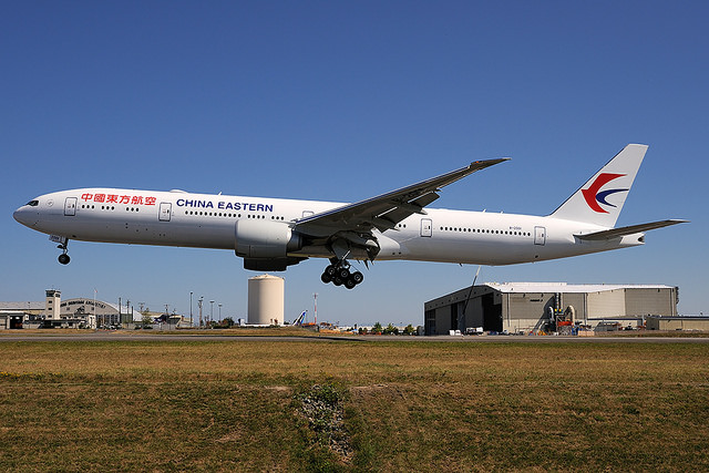 China Eastern Boeing 777-300ER B-2001   by   royalscottking  , on Flickr