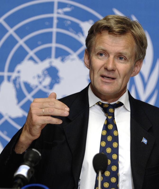 Jan Egeland speaking at the UN in Geneva in 2006. Photo: UN Photo/Jean-Marc Ferre.