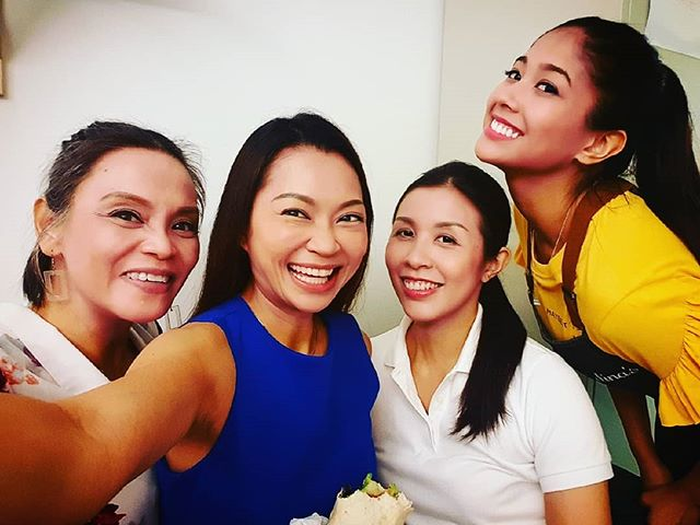 Always happy to bump into friends while filming! Catch us all on #channel5 #kin ! . . . #actor #actress #channel5 #channel8 #mediacorpch5 #mediacorp