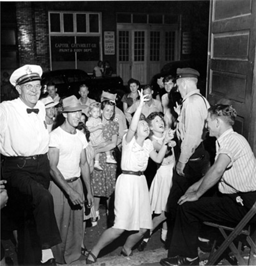 Adoring Fans at Stage Door, Opry Series 1946