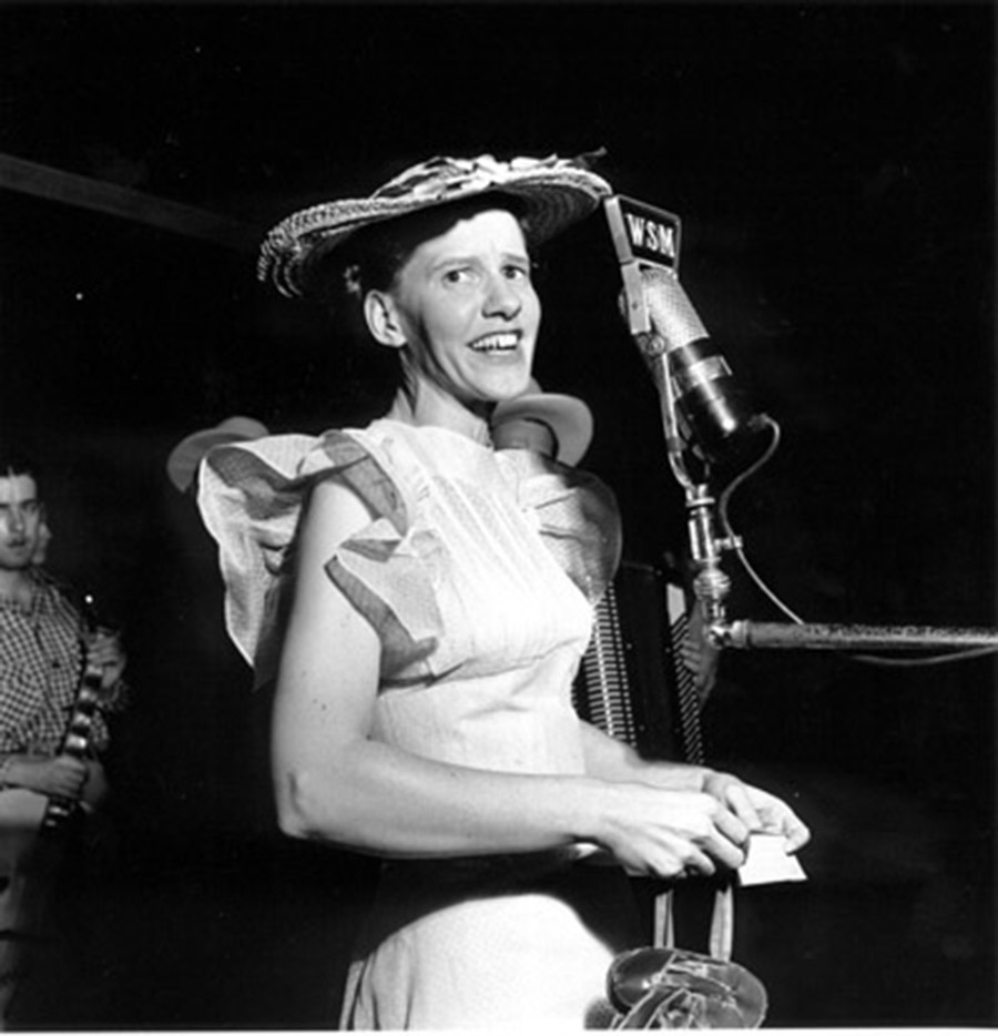 Minnie Pearl Off Guard, Opry Series 1946
