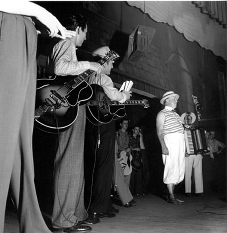 Duke of Paducah with Chet Atkins on Left, Opry Series 1946
