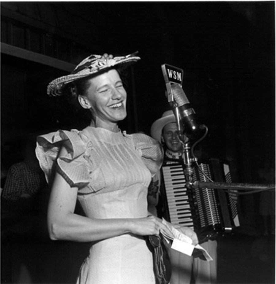 Minnie Pearl Thinks it Over, Opry Series 1946