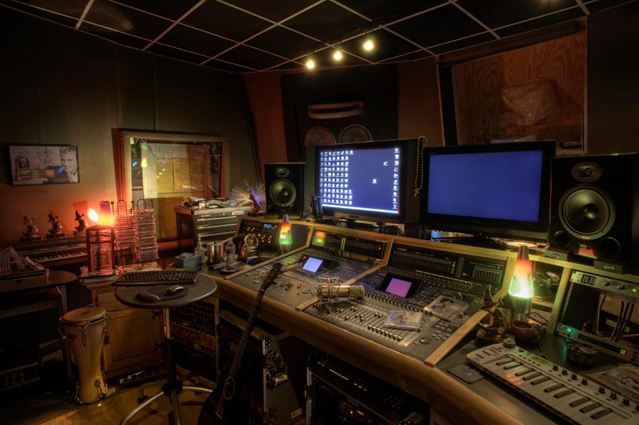 Studio 300