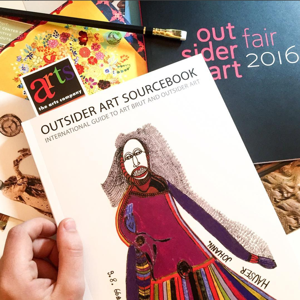 "Ended the night browsing through my newly prized   Outsider Art Sourcebook   published by Raw Vision. Surprisingly, it is the "" only international guide to the world of Outsider Art and Folk Art."""