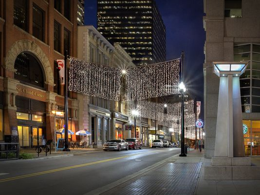 5th Avenue of the Arts, location of the monthly Downtown Art Crawl.(Photo: Jerry Park)