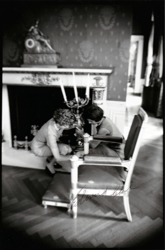 Jackie Kennedy Redecorates the White House 2